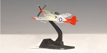 Auto Art 31442 P-51 Bunnie 1/144 Scale