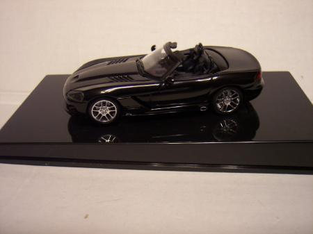 51702 Dodge Viper SRT-10 (Black) 143 scale