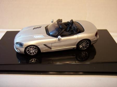 51703 Dodge Viper SRT-10 2003 (Silver) 143 Scale