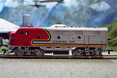 6800SF - HO Scale, F2 LOCO, Santa Fe 8 Wheel Drive Pick Up,