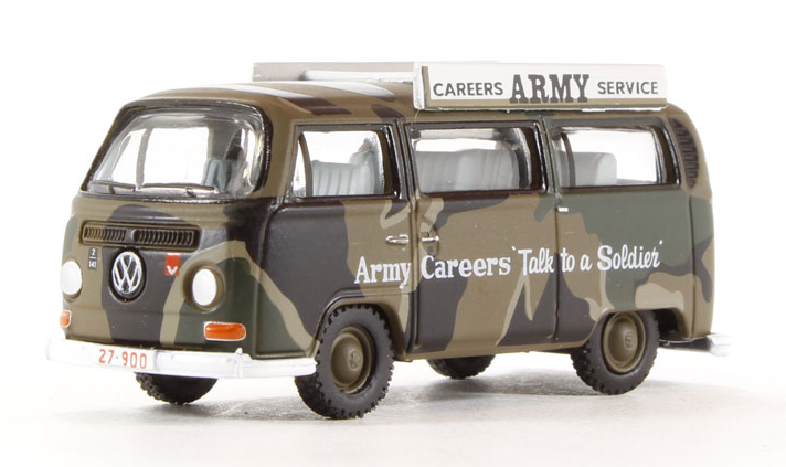 76VW019 VW BAY WINDOW BUS ARMY CAREERS AUSTRALIA 176 SCALE
