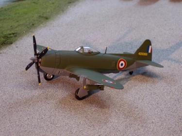 B11E096 P-47D Thunderbolt French First Air Force 148 Scale