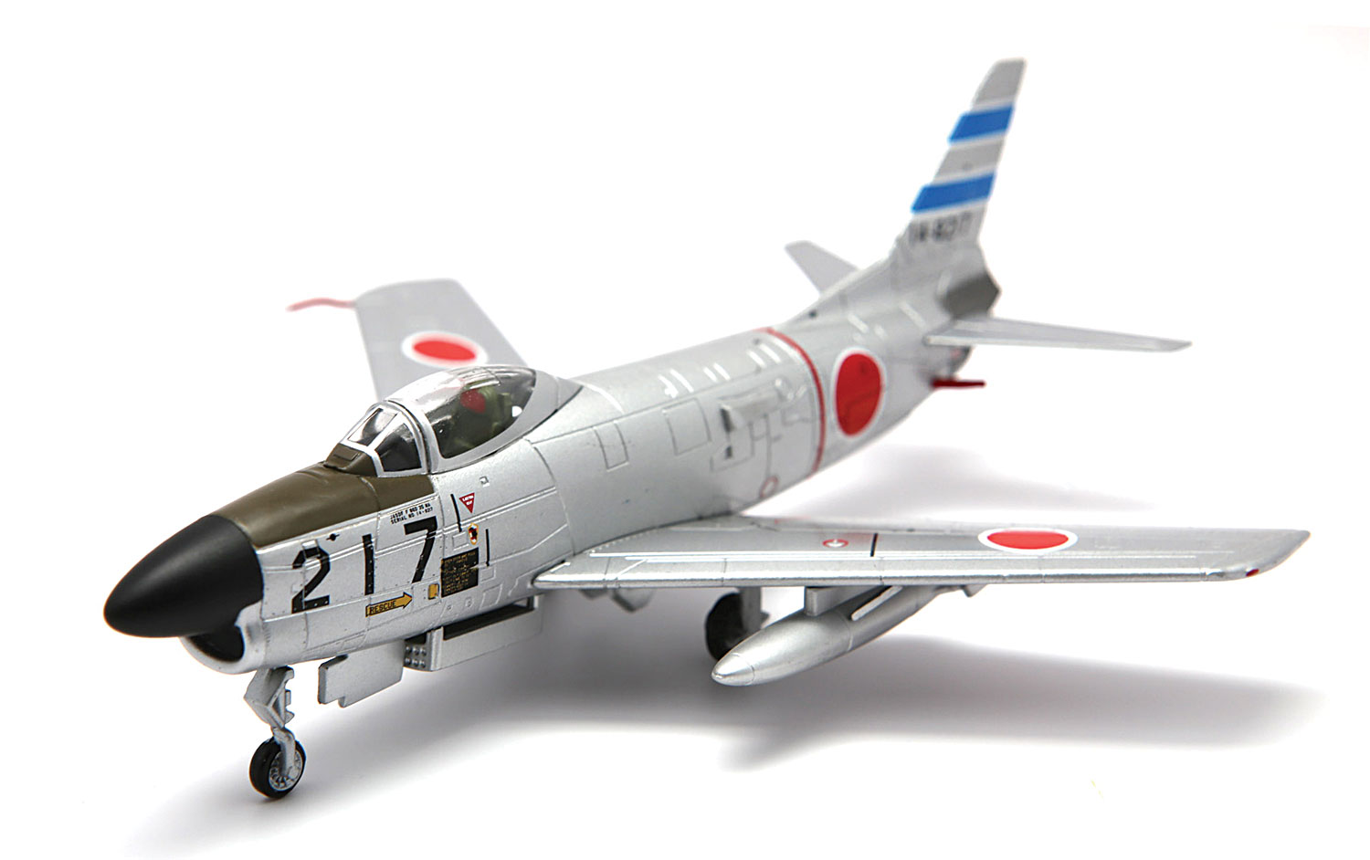 FA723010 F-86D Sabre Dog 103rd Sqd. 2nd Air Wing JASDF