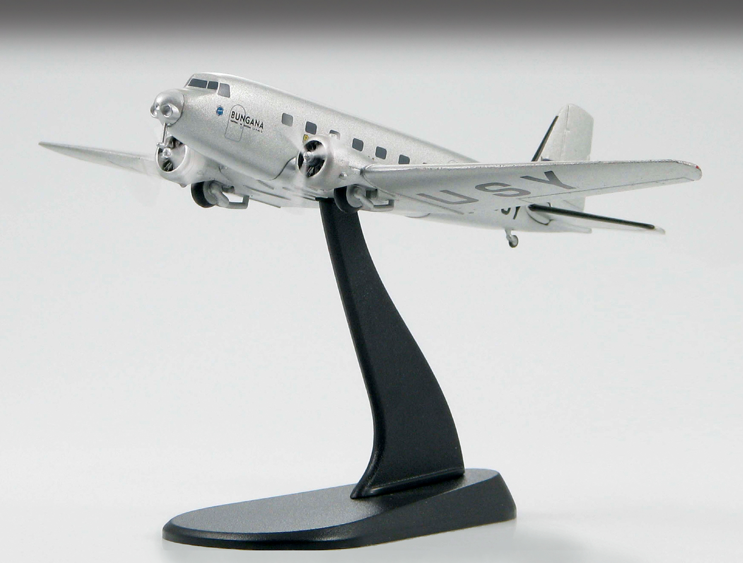 "HL8002 Douglas DC-2 ""Bungana Holymans Airways 1.200 Scale"