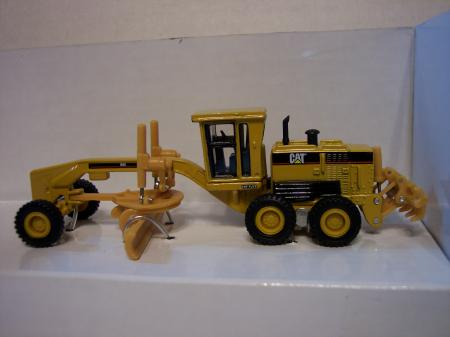 NOR55127 Cat 160H Motor Grader 187 Scale