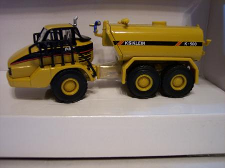 NOR55141 Cat 730 Articulated Truck w Klein Water Tank 187 Scale
