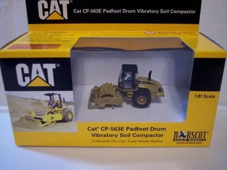 NOR55156 Cat Padfoot Drum Vibratory Soil Compactor 187 Scale