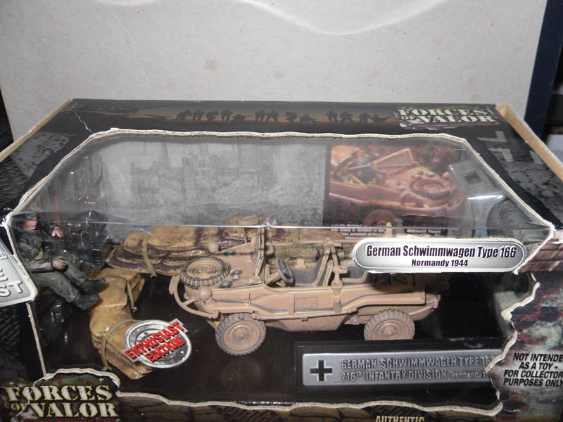 82001 German Schwimmwagen Type166 716th Inf 132 Scale