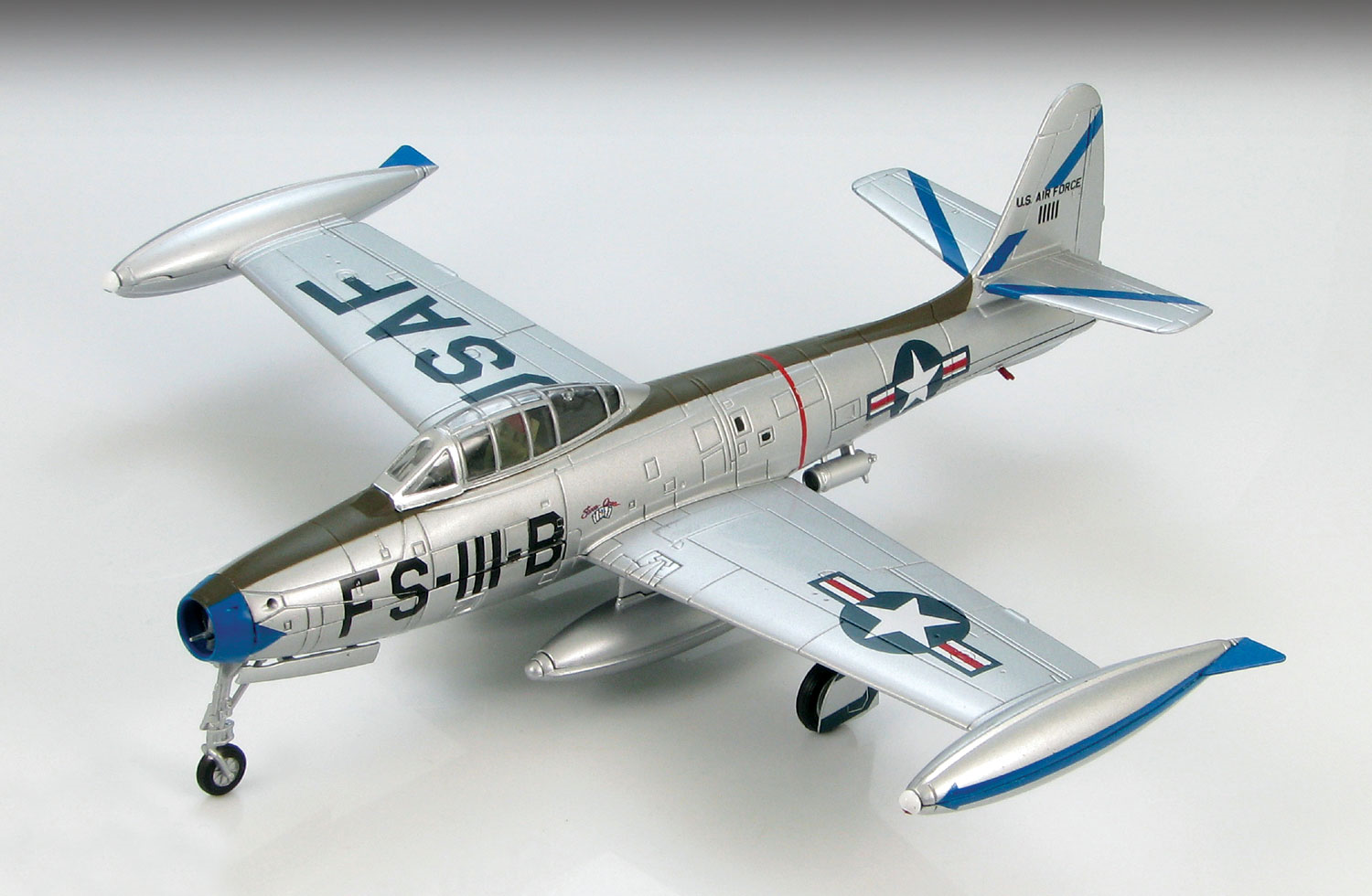 SM6009 F-84G Thunderjet 69th Fighter Bomber Sqn 1952 172 Scale